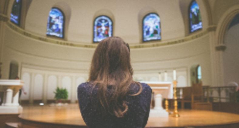 Cada católico carrega dentro de si o Espírito da verdade, incluindo a verdade moral (NeONBRAND / Unsplash)