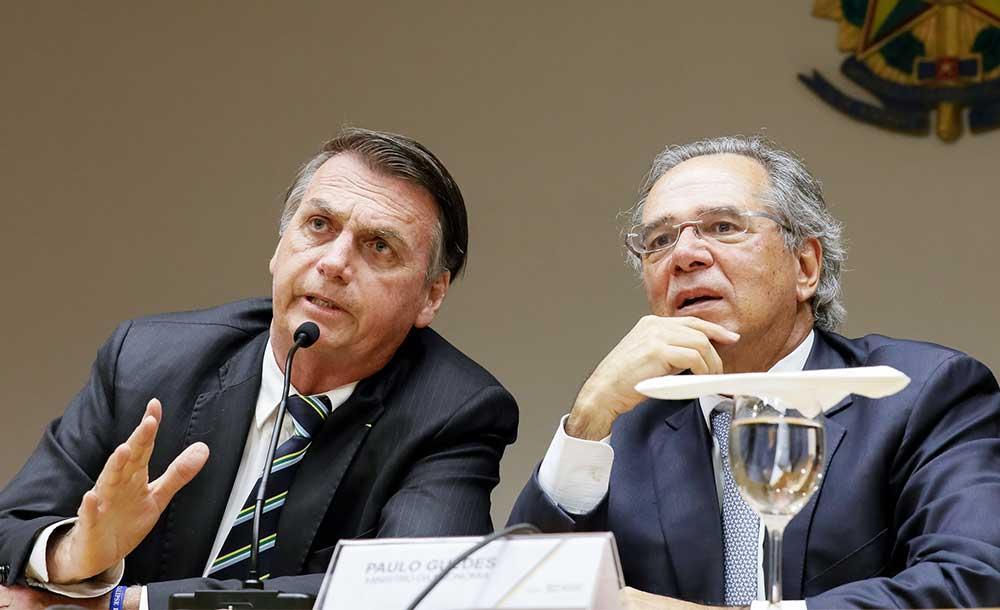 Especialistas apontam que a incógnita é saber se o presidente e os políticos aliados do Centrão conseguirão arremeter a tempo o 'avião da economia'