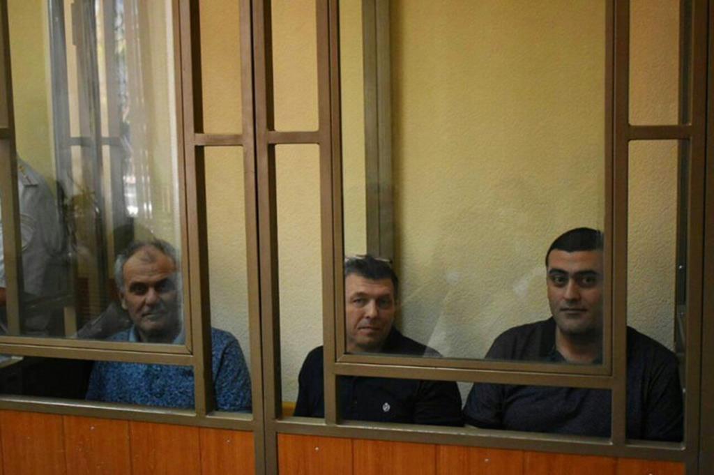 Testemunhas de Jeová condenados a penas de prisão por 'extremismo' na Rússia