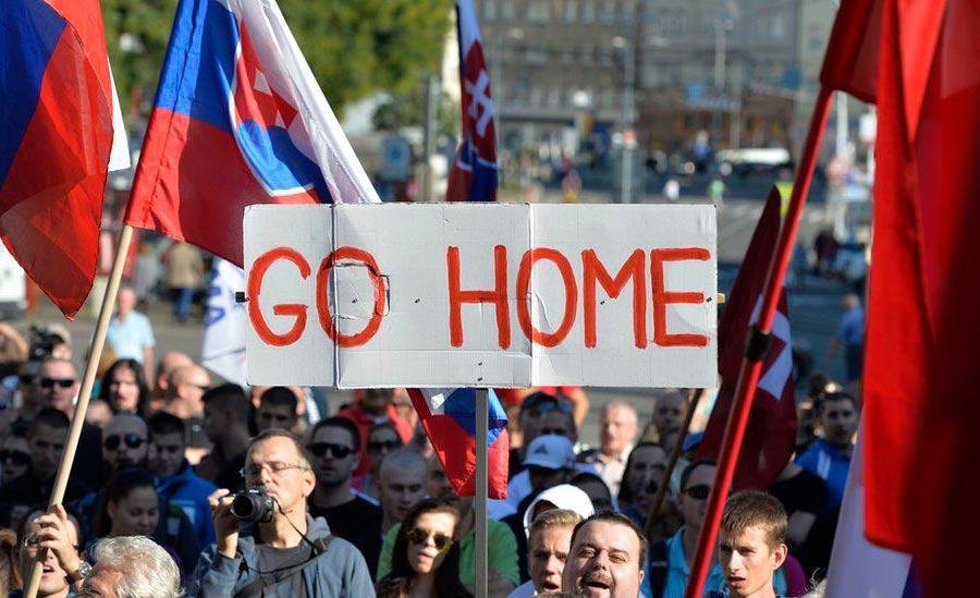 Manifestação contra imigrantes em Bratislava, capital da Eslováquia