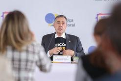 Barroso segue o trabalho de defesa das urnas eletrônicas (Antonio Augusto/Ascom/TSE)