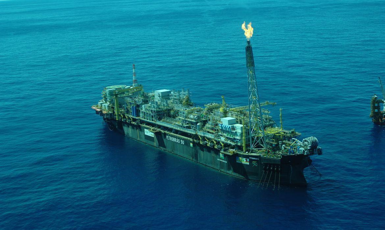Empresas internacionais podem comprar refinarias da Petrobras