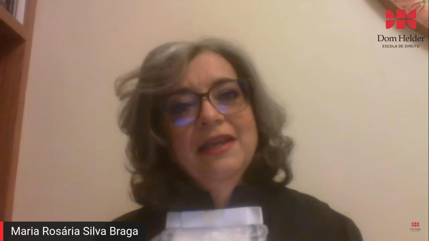 Oradora da turma, Maria Rosária Silva Braga, durante o seu discurso na cerimônia de Colação de Grau.