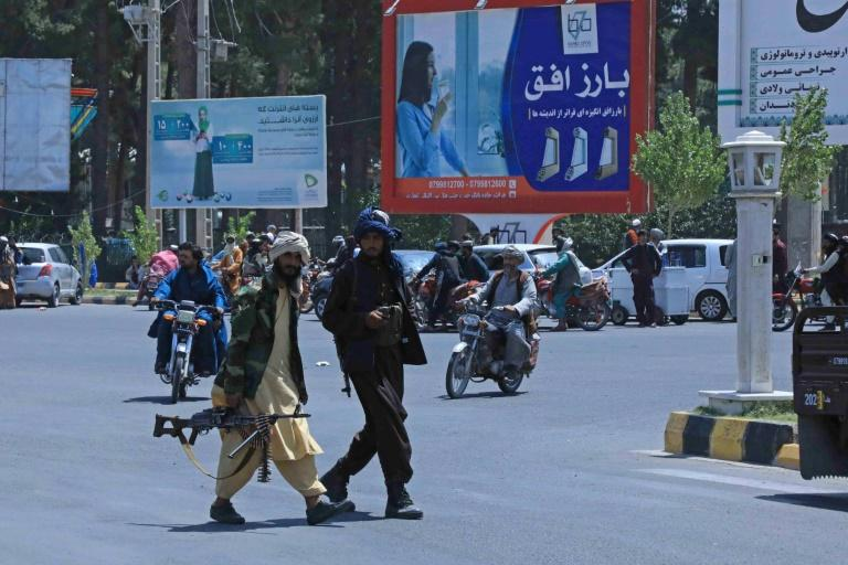 Combatentes talibãs em Herat, Afeganistão, em 14 de agosto de 2021