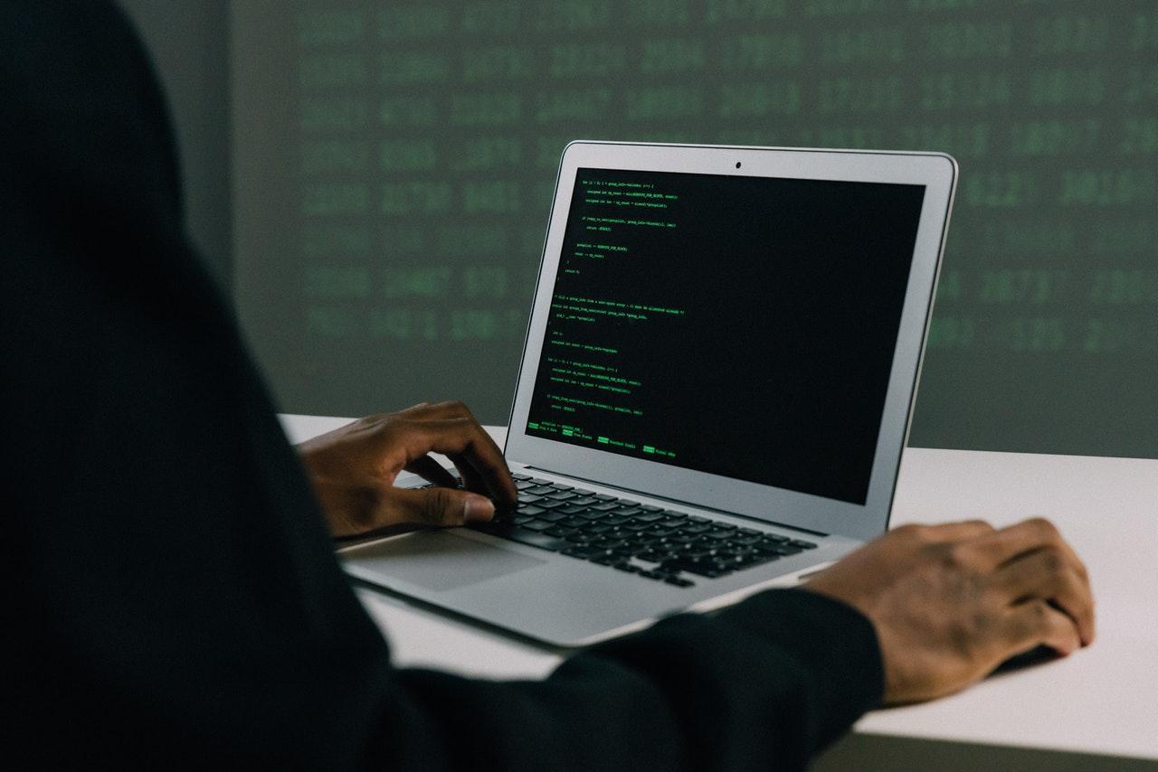 Invasores apenas modificaram temporariamente a página da internet