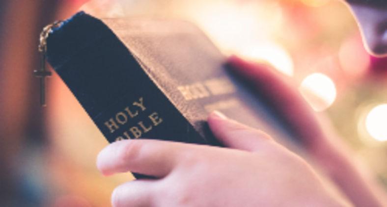 A Bíblia não é a palavra de Deus. A Palavra, como mostra o prólogo do Evangelho de João, é Jesus Cristo (StockSnap/Pixabay)