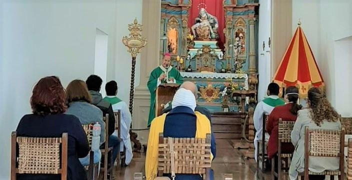 Dom Walmor celebrou a Eucaristia pela abertura do Mês da Bíblia, setembro, no Santuário Basílica Nossa Senhora da Piedade