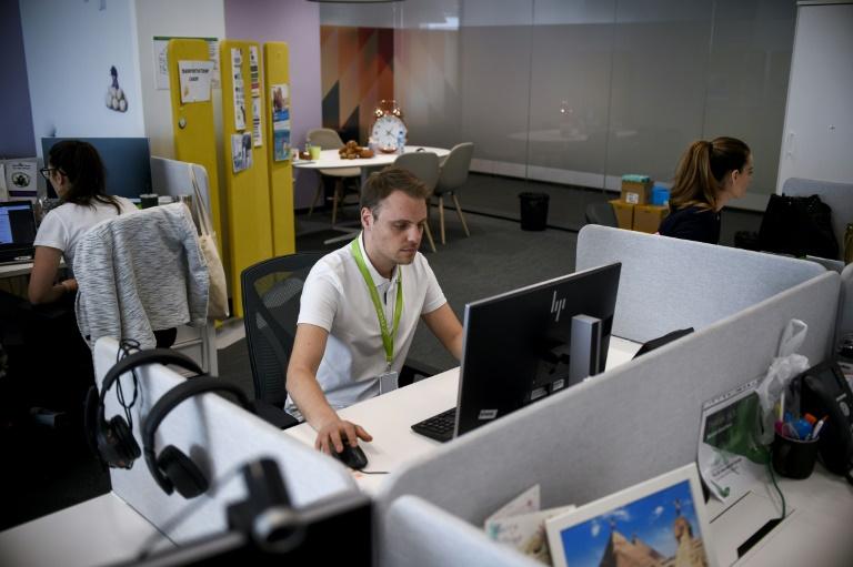 Estudo realizado por cientistas de Harvard descobriu que a qualidade do ar dentro de um escritório pode ter um impacto significativo na função cognitiva dos funcionários