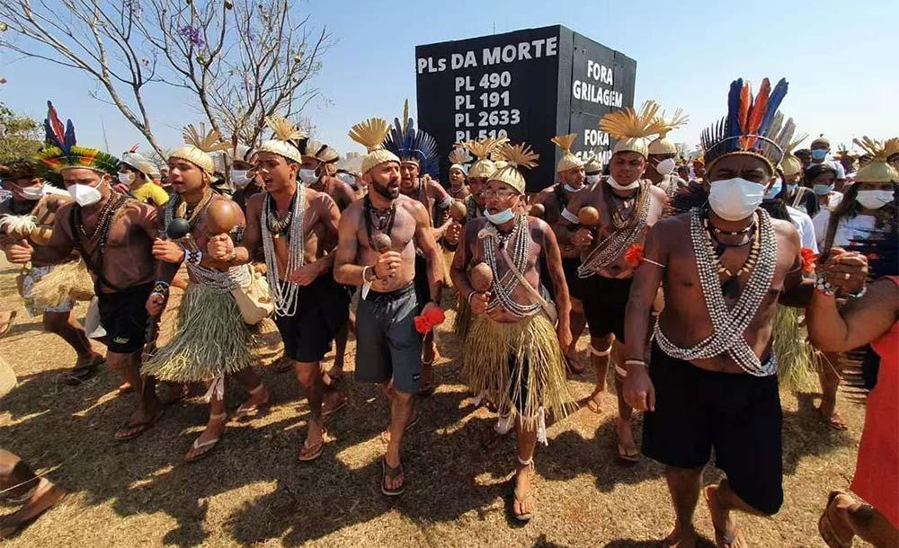 No Brasil, a maior parte dos crimes (75%) ocorreu na Amazônia e vitimou indígenas.
