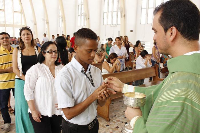 Eucaristia no Santuário Nossa Senhora de Fátima, dos jesuítas, em Salvador