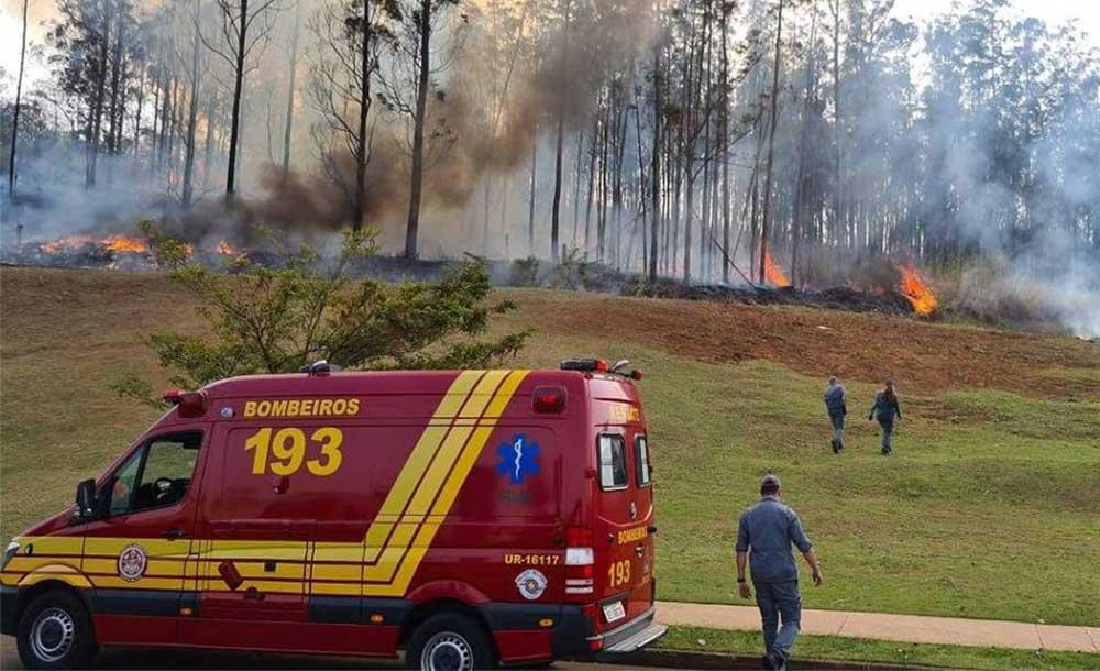 Aeronave de asa fixa caiu nas imediações da Rua Cezira Giovanoni Moretti, em Piracicaba.