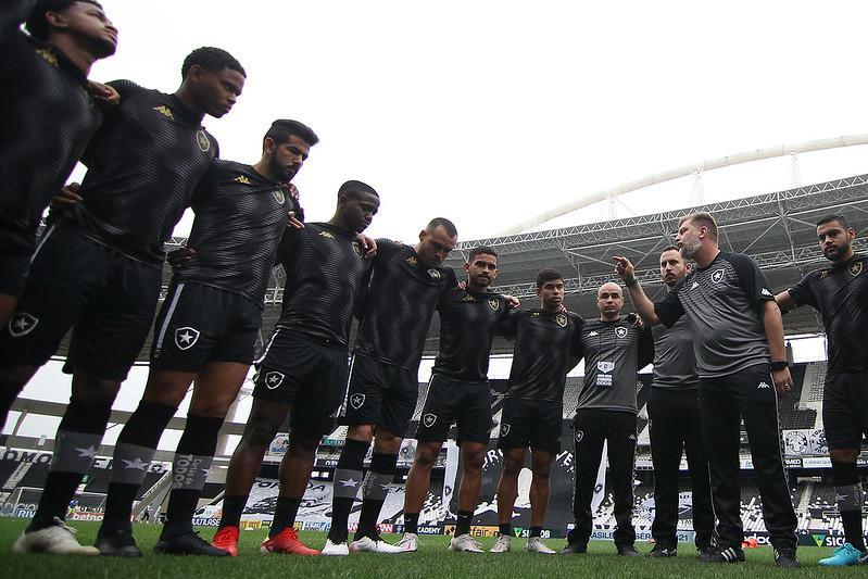 Enderson Moreira conseguiu encaixar o time do Botafogo