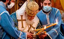 O patriarca da Igreja Ortodoxa Georgiana, Elias II, durante a celebração de Páscoa na Catedral de Sameba, em Tbilisi, em 12 de abril de 2020 (Vano Shlamov/AFP)