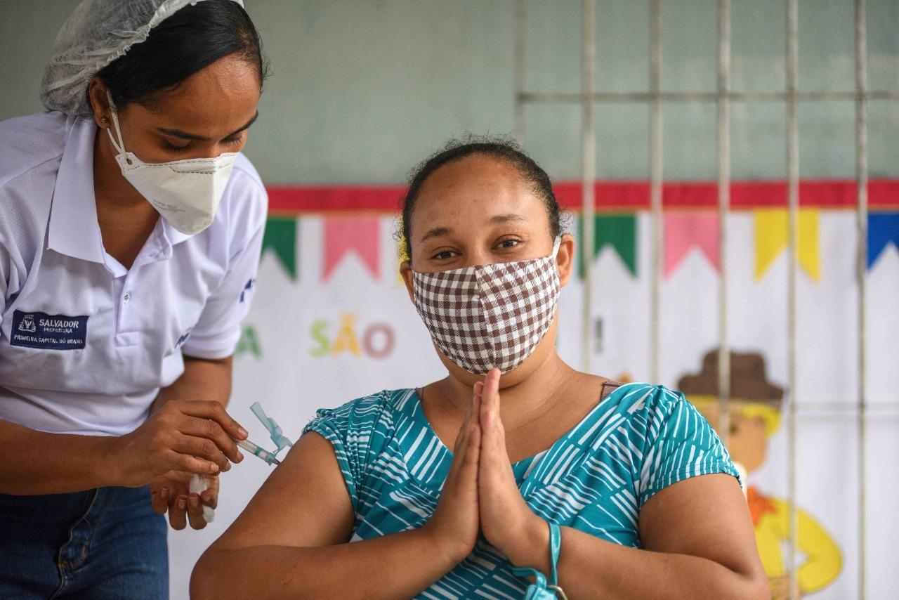 Vacinação no Brasil reduziu o número de mortes por Covid-19