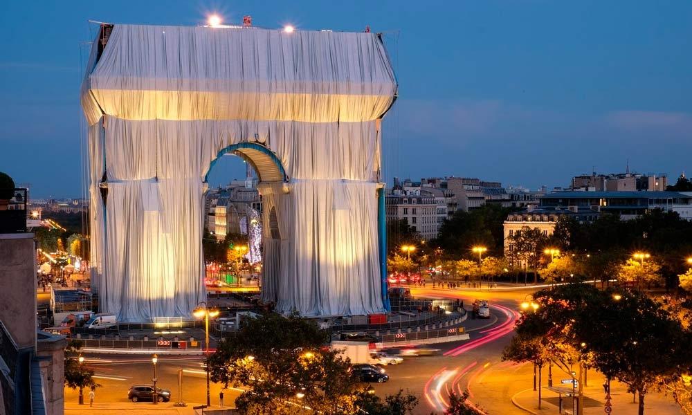 O Arco do Triunfo é um dos símbolos de Paris e o projeto demorou mais de 50 anos para ser concretizado