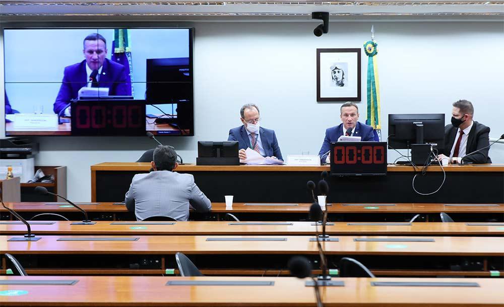 Relatório do deputado Sanderson (PSL-RS) foi aprovado por 22 a 7 em Comissão Especial