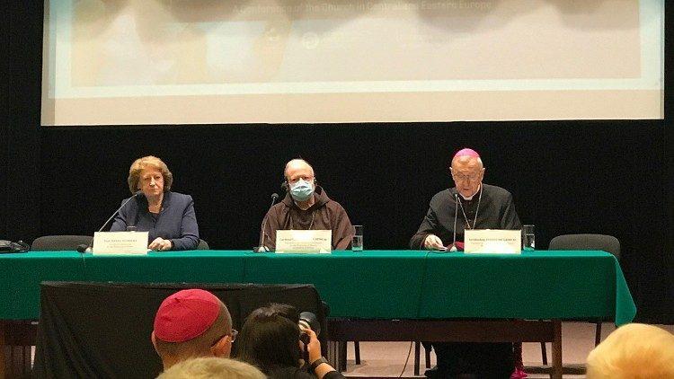 Arcebispo Stanis?aw G?decki e o do cardeal Seán Patrick O'Malley, Conferência Internacional sobre a Proteção de Menores e Adultos Vulneráveis