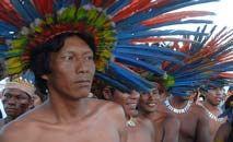 Índios da etnia bororo, que tiveram lendas abordadas por Levi-Strauss (Valter Campanato/ABr)