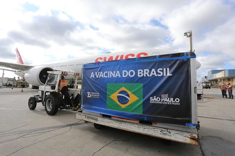 Cinco estados começam a receber vacina do governo de São Paulo