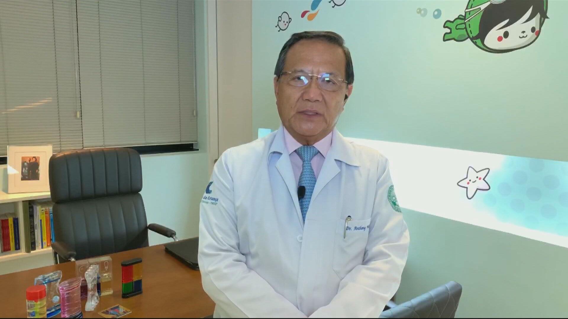 Anthony Wong propagou informações falsas sobre vacinas