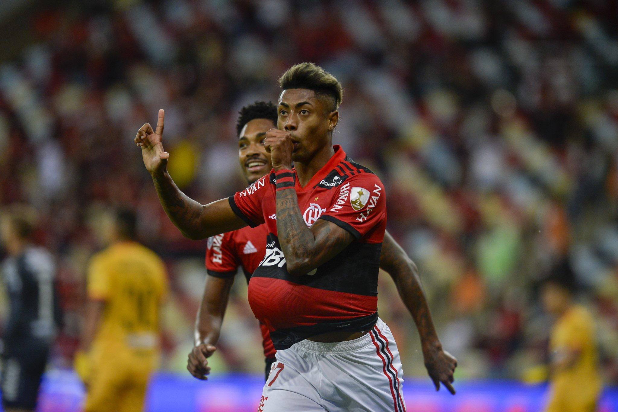 Primeiro jogo aconteceu no Maracanã