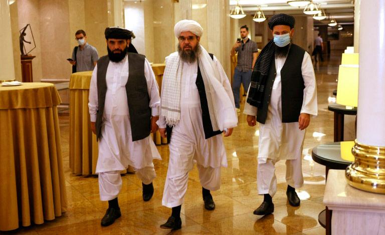Representantes do Talibã durante negociações em Moscou