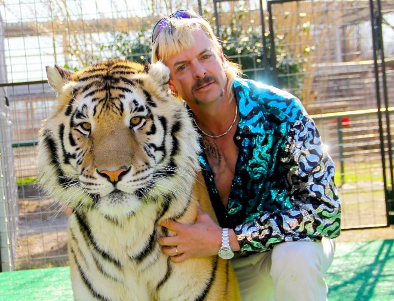 'Tiger King 2' aparentemente terá Joe Exotic falando ao telefone da prisão