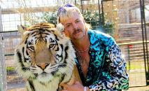 'Tiger King 2' aparentemente terá Joe Exotic falando ao telefone da prisão (AFP)