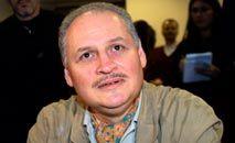 """Ilich Ramirez Sánchez, ou """"Carlos, o Chacal"""", em 28 de novembro de 2000, em um tribunal de Paris (Thomas Coex/Arquivo/AFP)"""