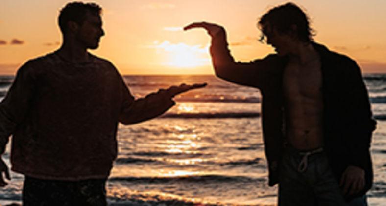 A correção entre amigos só pode ser bem acolhida num ambiente de liberdade, de respeito e de confiança mútua. (Unsplash/Tyler Nix)
