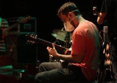 O músico André Milagres pretende continuar a dar aulas online após a pandemia (Reprodução/Instagram)