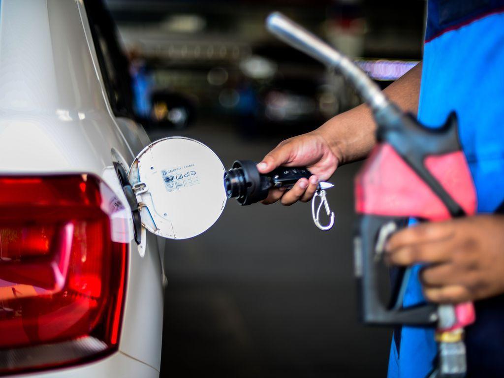 Preço dos combustíveis não para de subir no Brasil