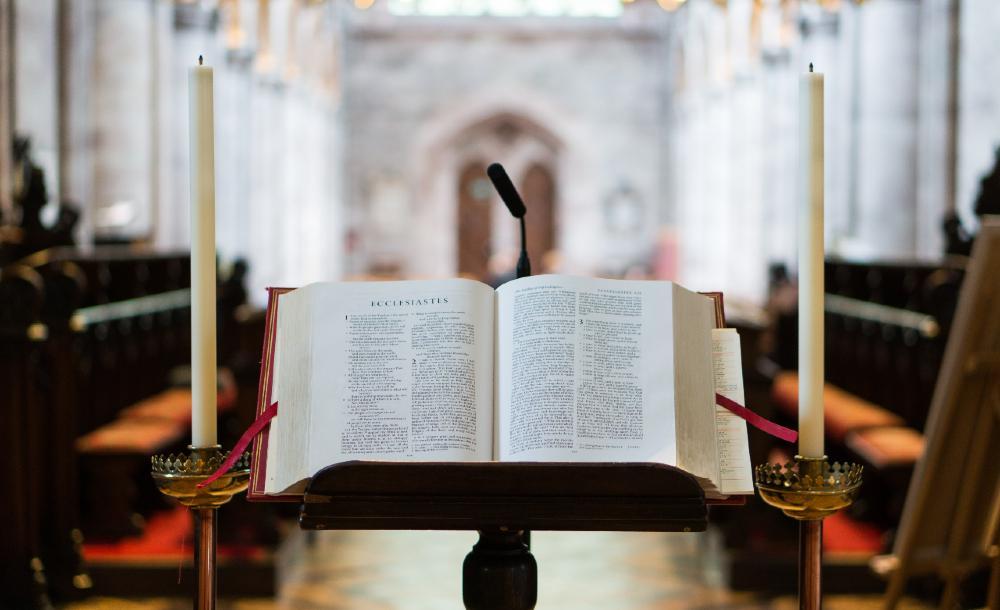 Na medida em que nos sentimos confortáveis apenas em ser quem somos, podemos considerar que está bem para a congregação ser quem eles são também