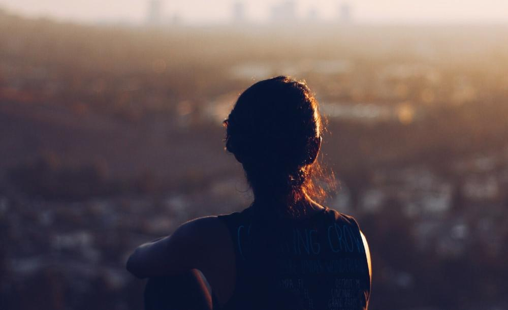 O silêncio abre espaço para o encontro consigo mesmo, para a consciência de nossa própria finitude e fragilidade