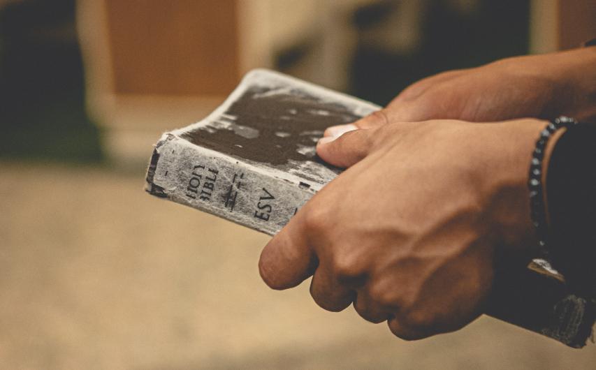 Estar em Cristo, portanto, vai muito além de um mero pertencimento institucional