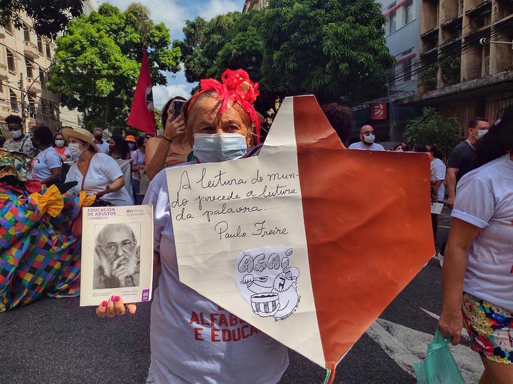 MST participa da celebração e cortejo em defesa da educação e do legado de Paulo Freire em Belém do Pará na manhã do dia 19 de setembro