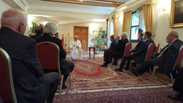 Papa Francisco durante seu encontro com jesuítas eslovacos