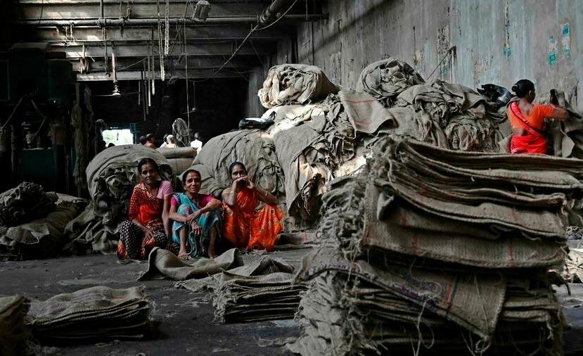 Fábrica de juta em Jagatdal, Índia: alternativa mais ecológica ao algodão