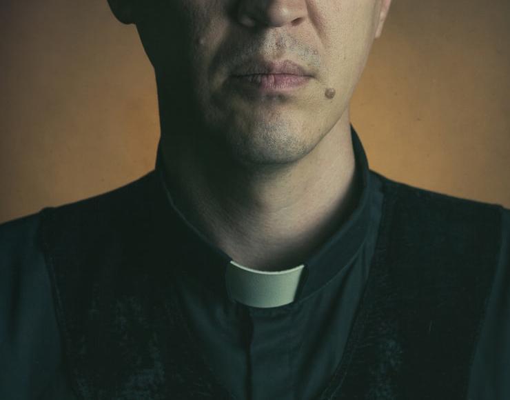 Recuperação das batinas é sinal da tentativa de recuperar sentidos e superar a crise do presbiterato