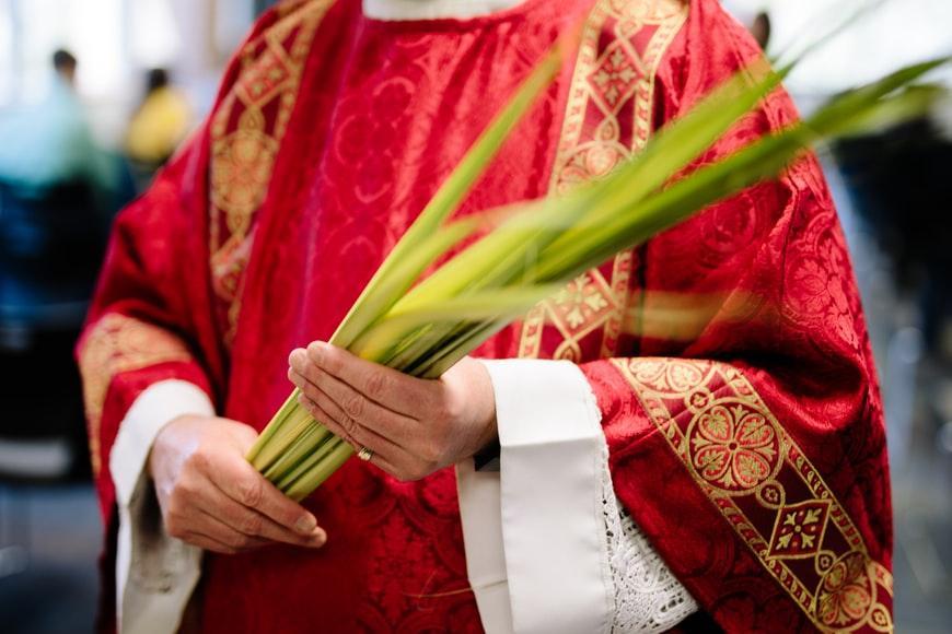 O sacerdote, que também é gente, é ser humano, está sujeito a desenvolver transtorno mental