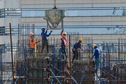 Prédio em construção em Bangcoc, em 16 de maio de 2020 (Romeo GACAD/AFP)
