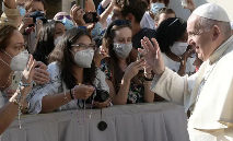 A solidariedade e a reciprocidade entre mulheres e homens é 'vital para a sociedade' (Vatican Media)