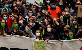 Greta Thunberg lidera protesto contra a falta de ação dos governos no combate às mudanças climáticas (John MacDougall/AFP)