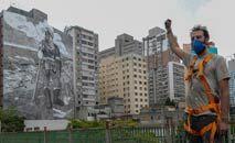 Mural pintado em um edifício de São Paulo, no centro da cidade, ocupa 1 mil metros quadrados (Miguel Schincariol/AFP)