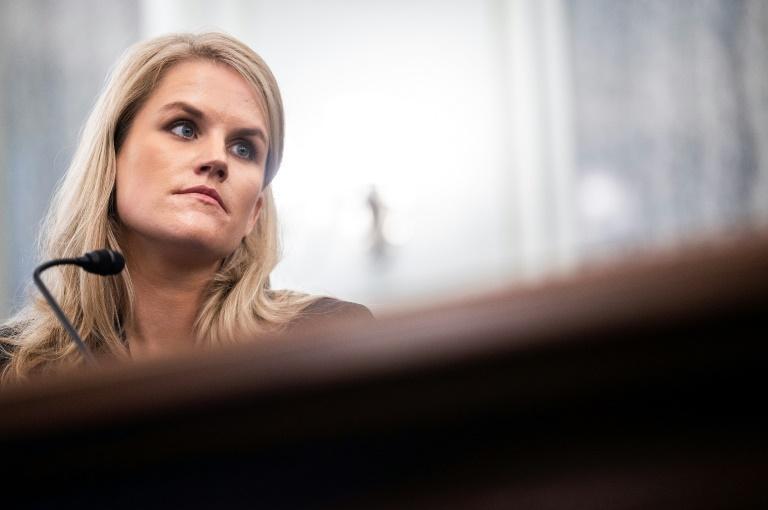 A ex-funcionária do Facebook e denunciante Frances Haugen presta depoimento no Senado dos EUA