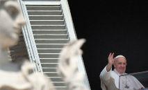 Francisco entregou uma mensagem poderosa ao lembrar como a pandemia revelou o real estado da economia mundial (Alberto Pizzoli/AFP)