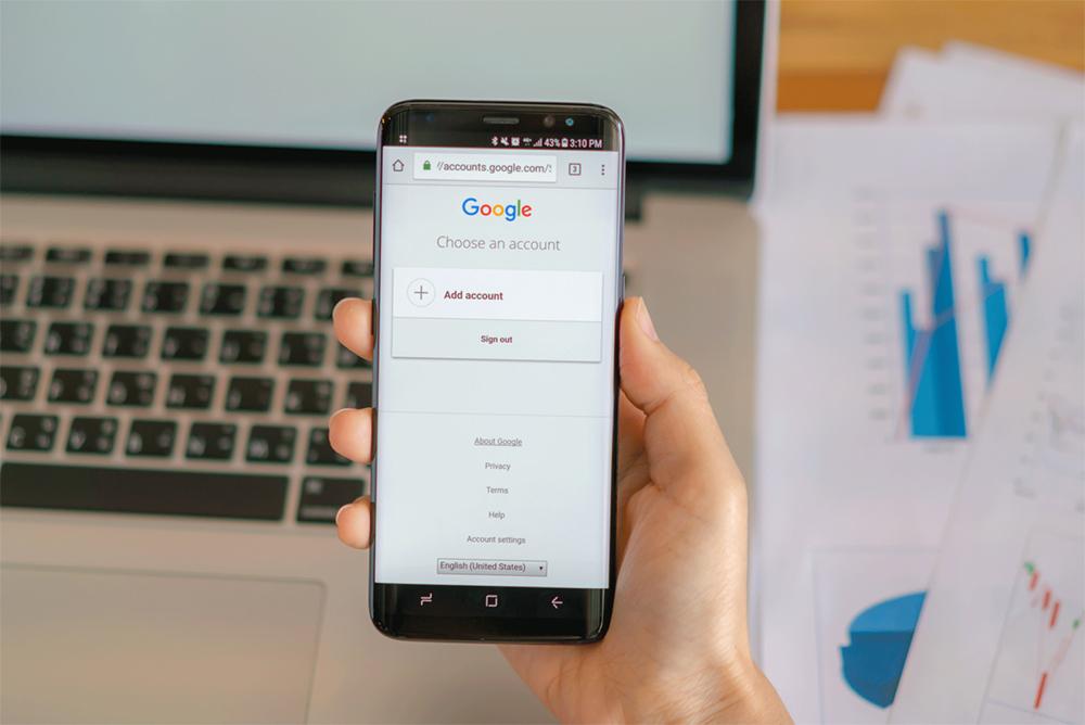 Responsável por 90% do mercado, Google contribui para o sucesso de sites de fake news