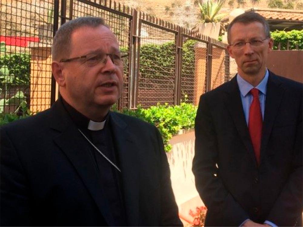 Georg Bätzing, presidente da Conferência Episcopal Alemã, afirma que o documento que veta a bênção dos casais homossexuais o entristeceu