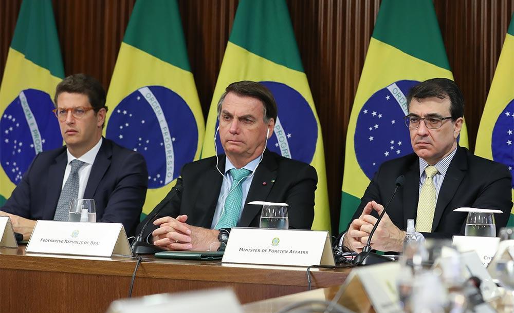 Bolsonaro durante cúpula climática: Brasil é visto com ceticismo