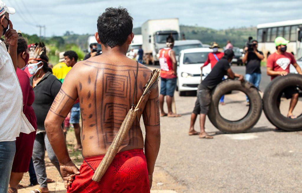 Bloqueio da BR-230 para protestar contra a Norte Energia (Foto cedida por Lilo Clareto/Xingu Vivo)